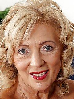 Hot Granny Milf